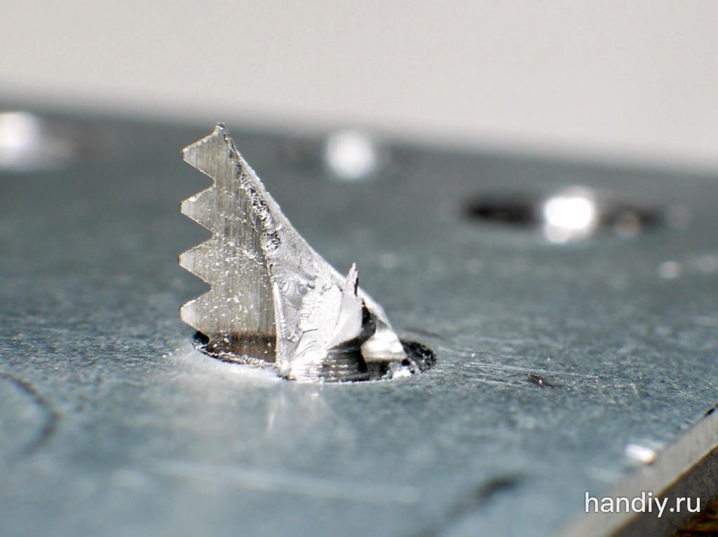 """Фото Отломанный кончик метчика Hanming 1/4""""-20"""